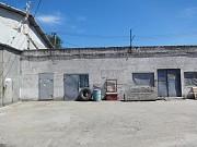 Промышленное предприятие рядом с Караваном Днепр